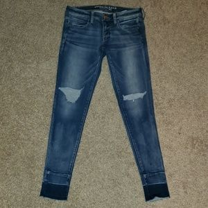 AEO Super Low 360° Destroyed Jeggings